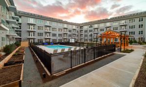 outdoor amenities at Heirloom Flats